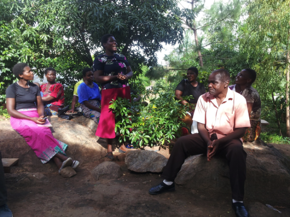 The group producing compost manure in Chilomani, explaining their experience with the enterprise.