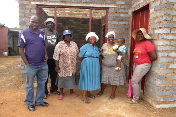 Far left: Lucky Khwidzili (uTshani Fund), Elias Matodzi (Owner of show house) Far Right: Philda Mmole, Cynthia Yalezo, Emily Mfundisi Mofokeng (Tinasonke Steering Committee members)